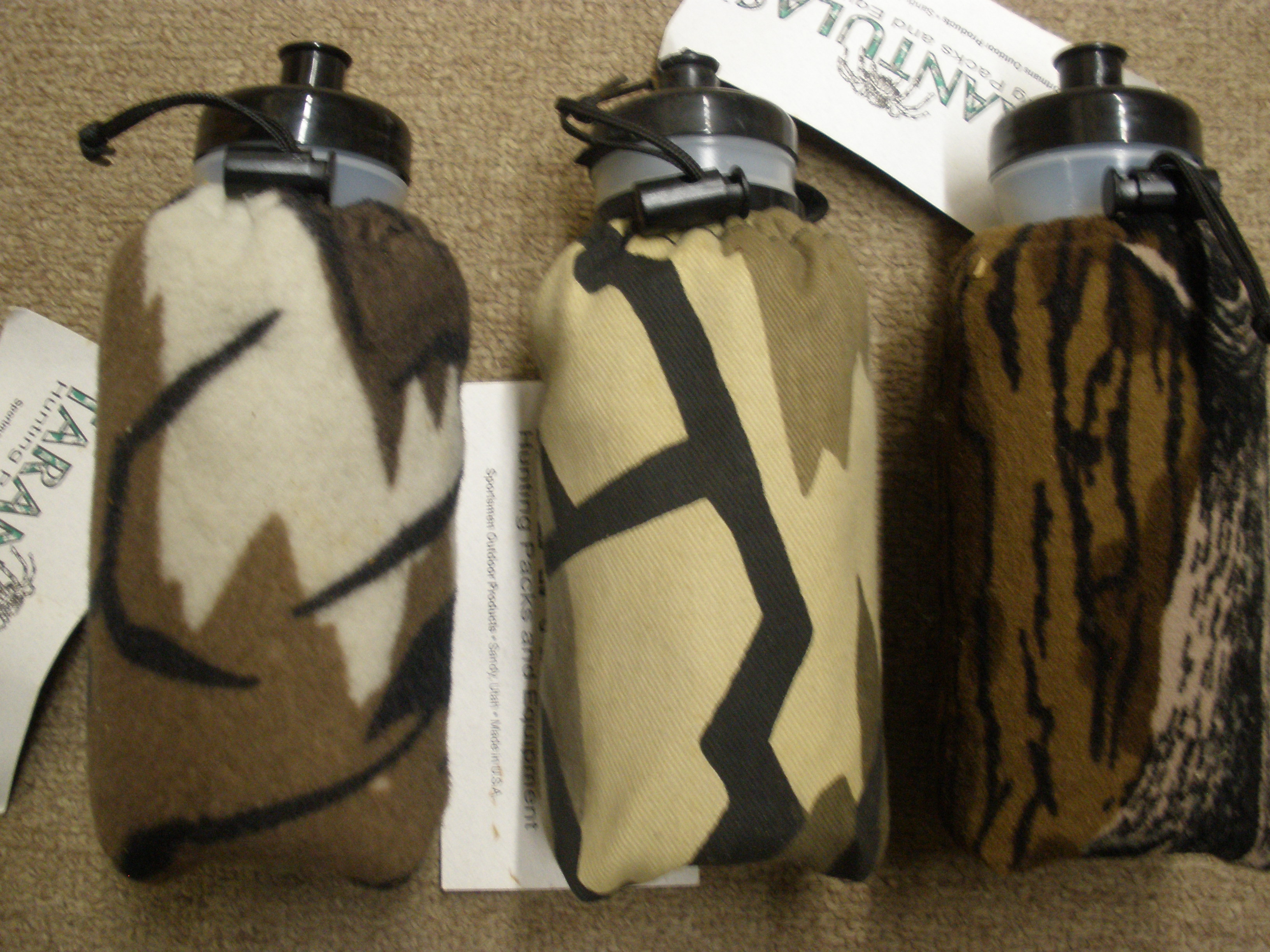 Tarantula Water Bottle 22oz. w/Camo Cover