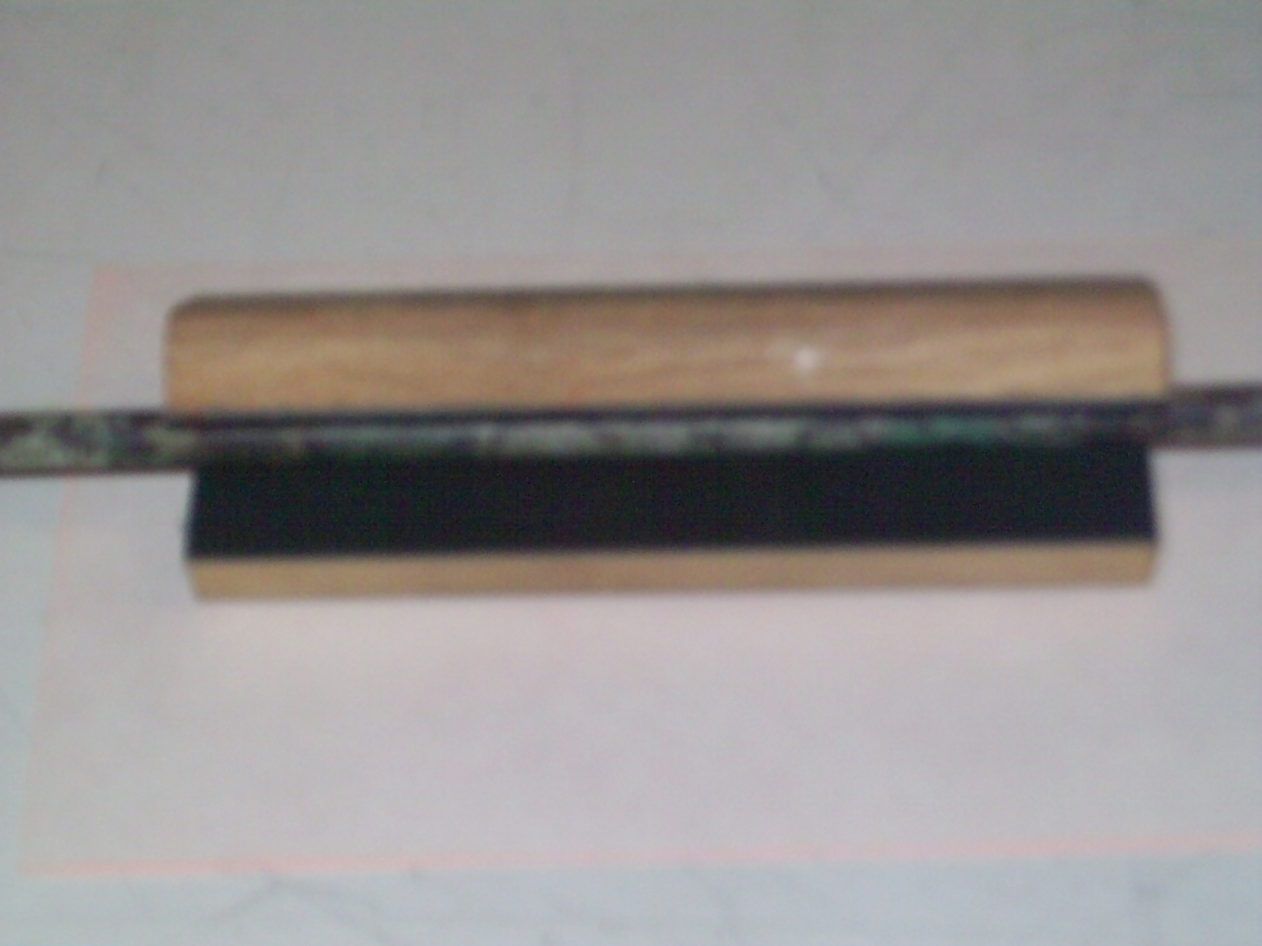 J.K. Arrow Puller - Wood Block w/Rubber V